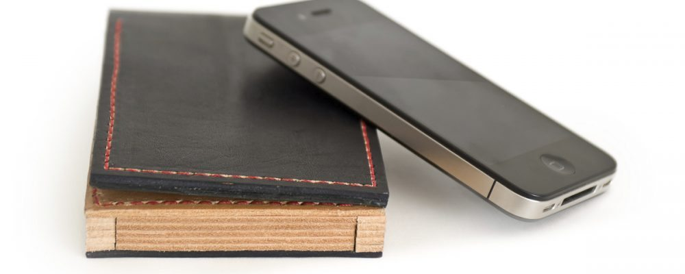 5layers: the wallet for iPhone 4 and 4S