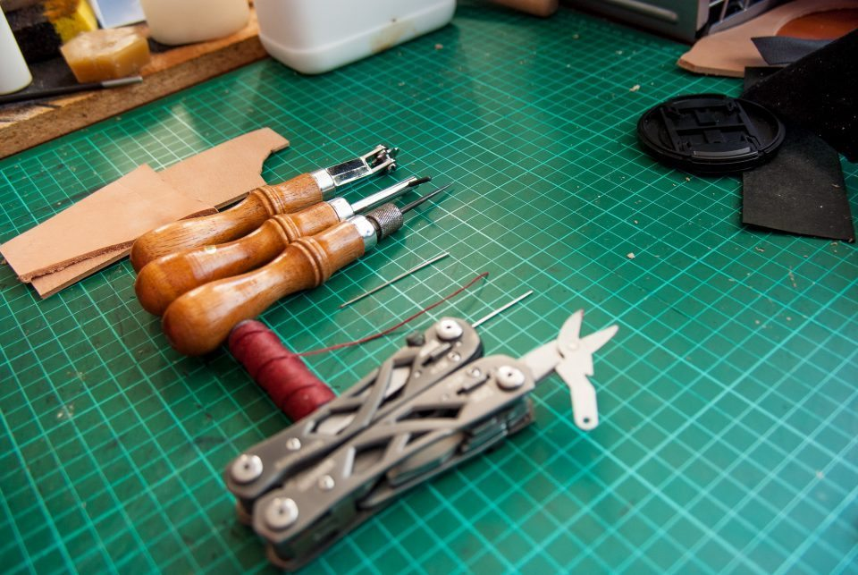 Hand Sewing Leather: set of tools